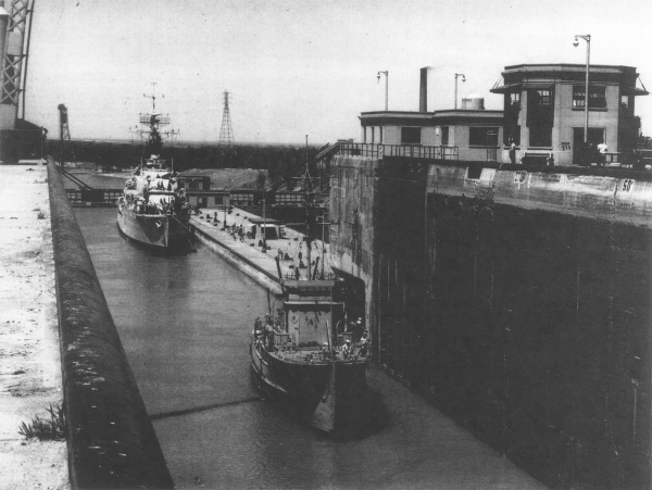Rhea 52 in Welland Canal, 1959